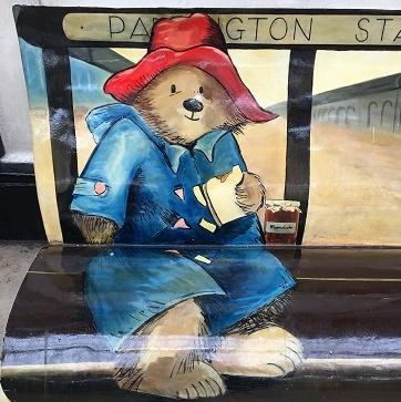 Paddington Station限定クリスピークリームのマーマレードドーナッツ_f0238789_23342664.jpg