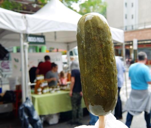 異文化たっぷりNYの「ピクルス・デー」Pickle Day 2017_b0007805_9303939.jpg