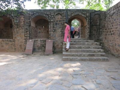 インド(デリー)とネパールの旅\'17_e0097130_16531612.jpg