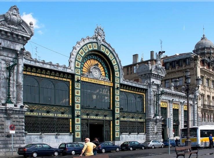 """歴史と現代アートが共存する街 \""""ビルバオ\""""_a0092659_22453972.jpg"""