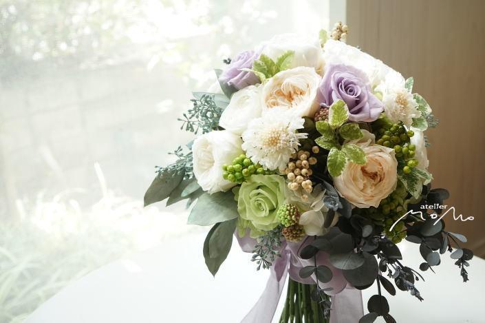 #淡い紫ローズ&ホワイトローズのクラッチブーケ!_a0136507_21384110.jpg