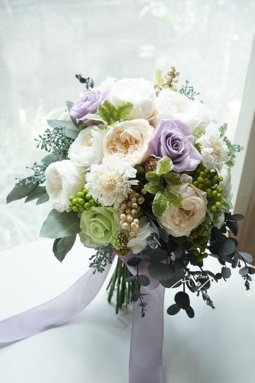 #淡い紫ローズ&ホワイトローズのクラッチブーケ!_a0136507_21400676.jpg