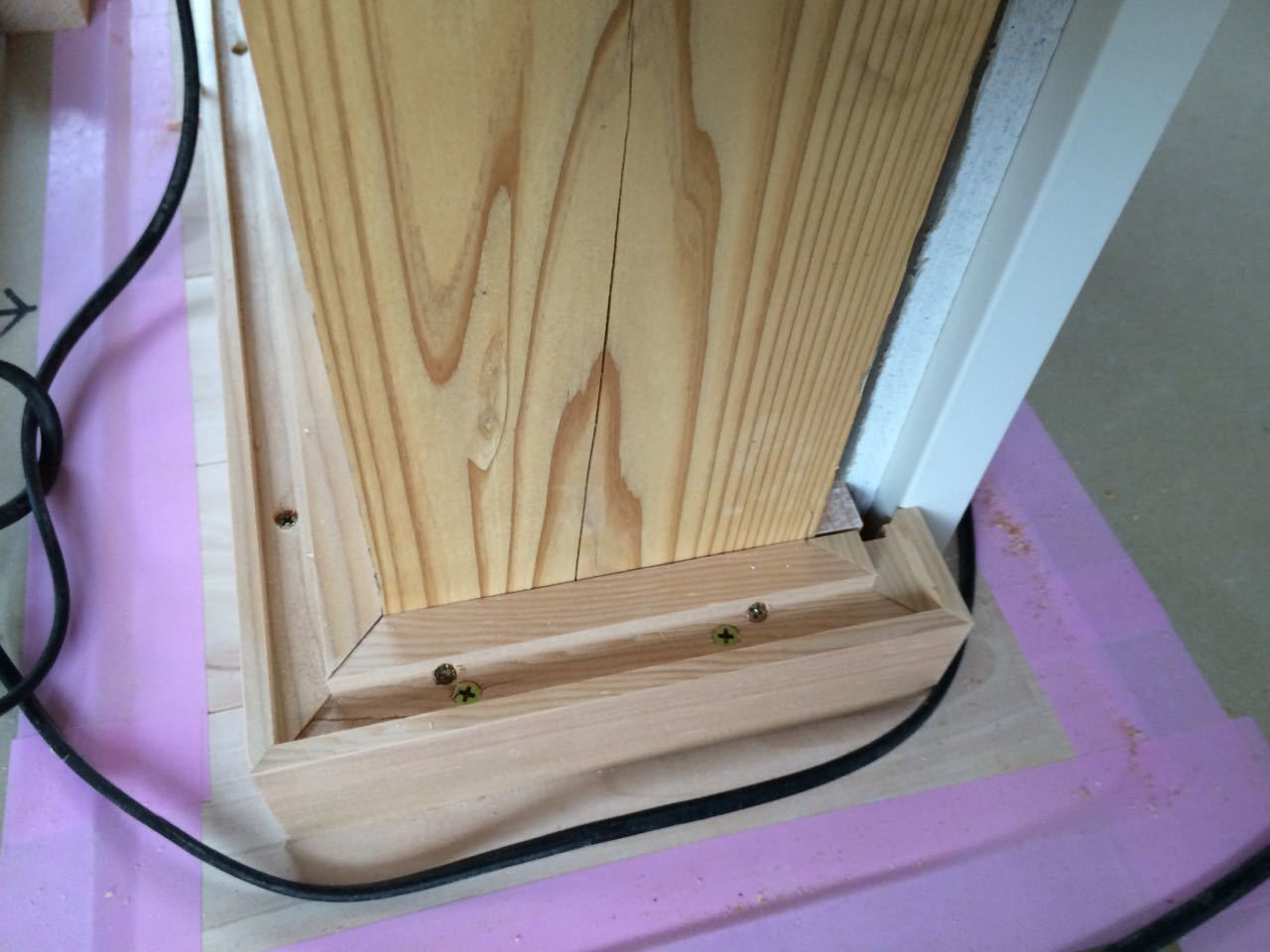 床貼りと巾木と階段と_a0148909_19085336.jpg
