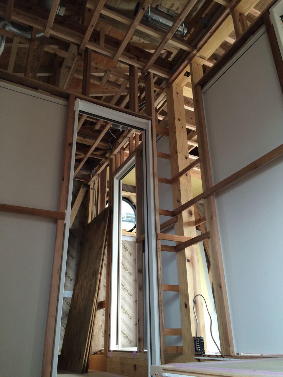 床貼りと巾木と階段と_a0148909_19104700.jpg