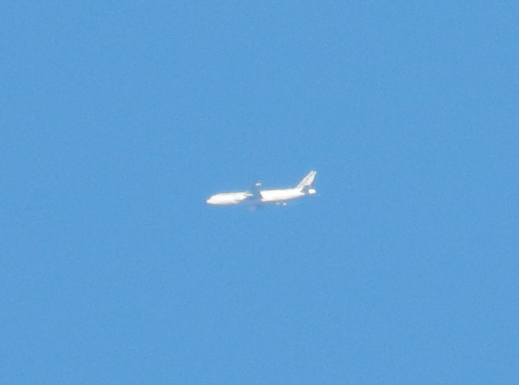 怪しい飛行機(笑)_c0025115_20563029.jpg