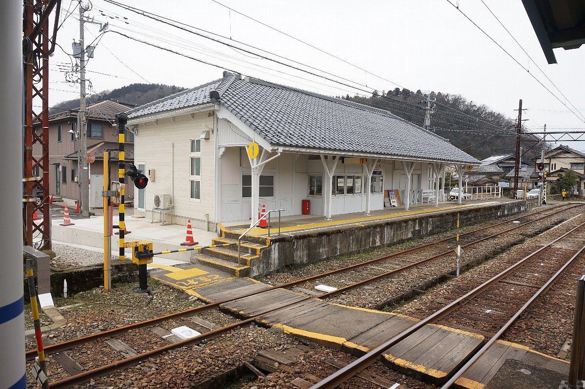 えちぜん鉄道で永平寺口駅へ_c0112559_08522379.jpg