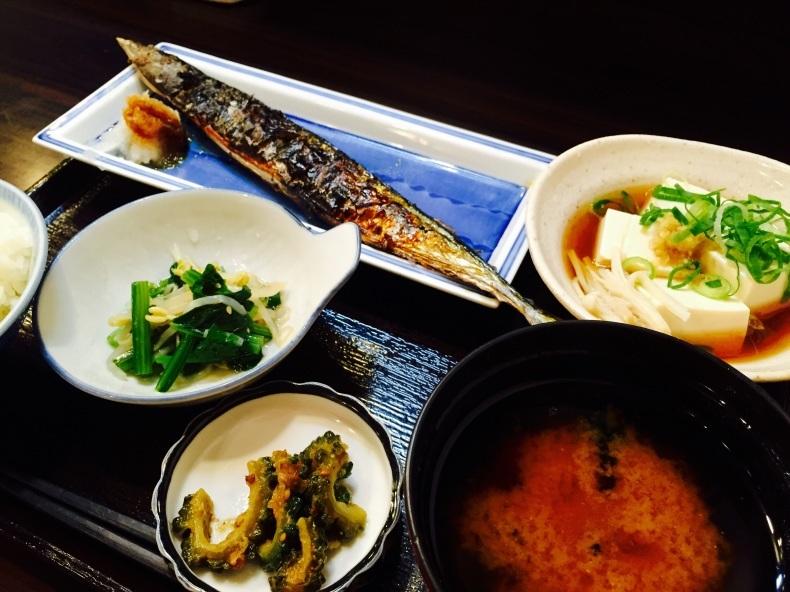 秋の京都、さんまランチ_a0103940_08343392.jpg
