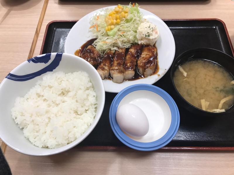 松屋で豚テキ定食&牛焼肉定食_a0359239_02310723.jpg