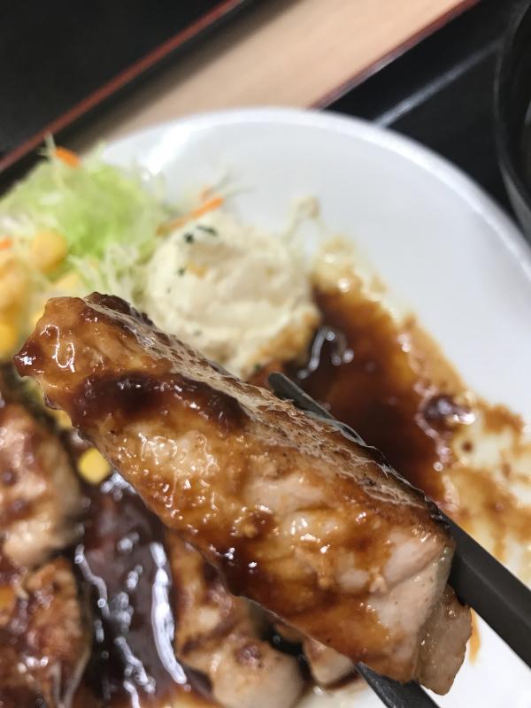 松屋で豚テキ定食&牛焼肉定食_a0359239_02325763.jpg