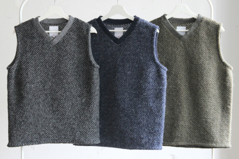 Mix Wool Pull Over Vest_c0379477_08171122.jpg