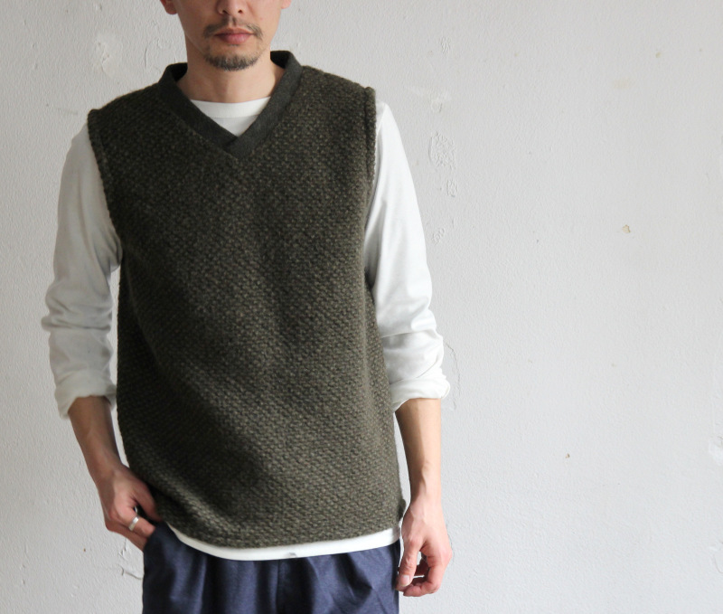Mix Wool Pull Over Vest_c0379477_08173973.jpg