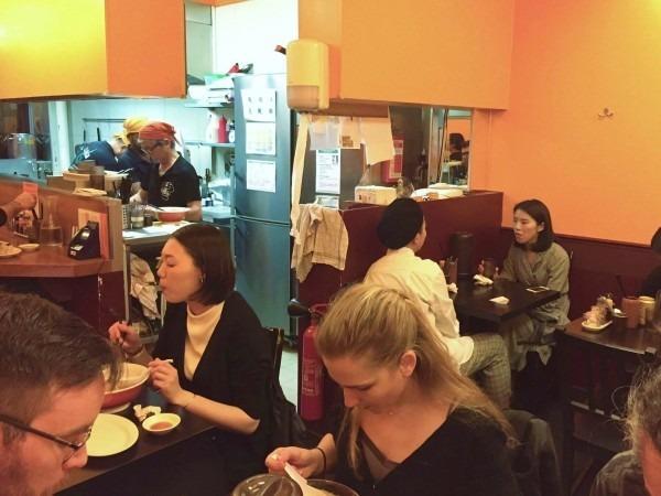 ヨーロッパ買い付け後記9 やっとPARIS店で食べれたラーメン!! 入荷エルメス、マルジェラ、ヒューゴボス メンズシャツ_f0180307_16001191.jpg