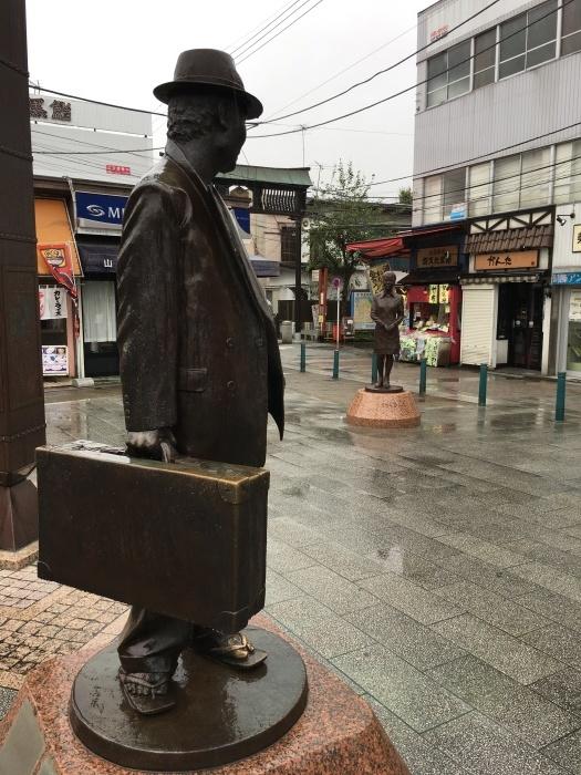 柴又駅前広場、寅さんとさくら_c0004024_15555279.jpg