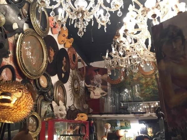 ヨーロッパ買い付け後記10 かわいいレストランで食事 入荷ボルサリーノ、ロイヤルステットソン、ボブス ハット_f0180307_17181758.jpg
