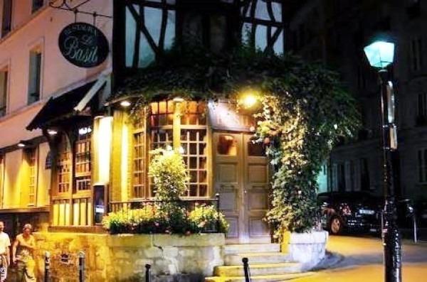 ヨーロッパ買い付け後記10 かわいいレストランで食事 入荷ボルサリーノ、ロイヤルステットソン、ボブス ハット_f0180307_18413144.jpg
