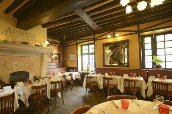 ヨーロッパ買い付け後記10 かわいいレストランで食事 入荷ボルサリーノ、ロイヤルステットソン、ボブス ハット_f0180307_18443687.jpg