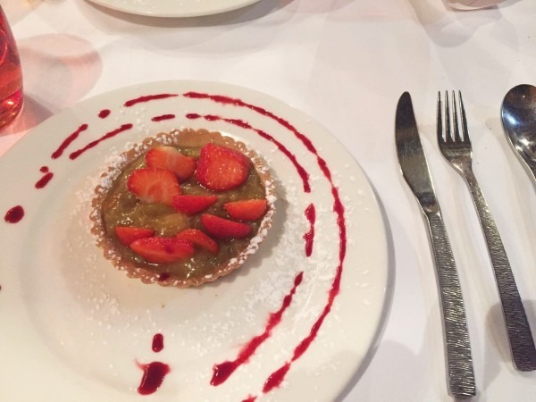 ヨーロッパ買い付け後記10 かわいいレストランで食事 入荷ボルサリーノ、ロイヤルステットソン、ボブス ハット_f0180307_19361388.jpg
