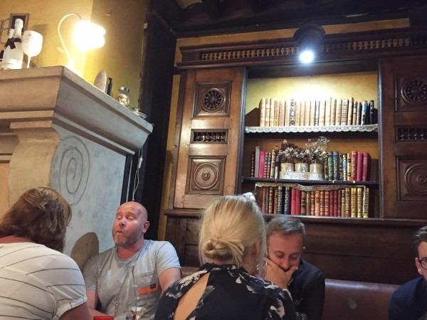 ヨーロッパ買い付け後記10 かわいいレストランで食事 入荷ボルサリーノ、ロイヤルステットソン、ボブス ハット_f0180307_20280080.jpg