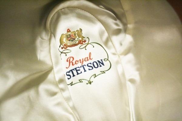 ヨーロッパ買い付け後記10 かわいいレストランで食事 入荷ボルサリーノ、ロイヤルステットソン、ボブス ハット_f0180307_22304449.jpg