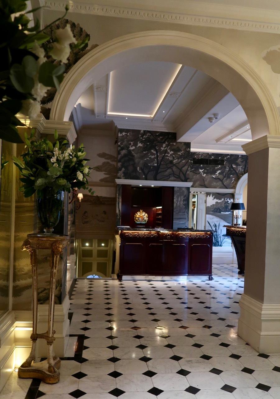 ゴーリング ホテルのアフタヌーンティー _f0380234_00585057.jpg