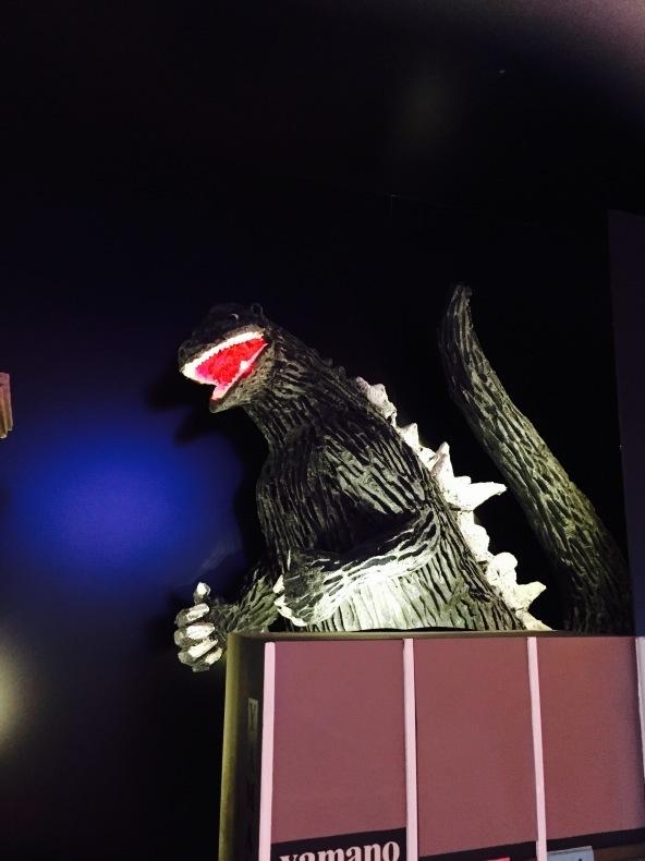 京橋ぐりるてる・ゴジラとスモークさんまとフレッシュトマトのパスタ_a0103940_18004939.jpg