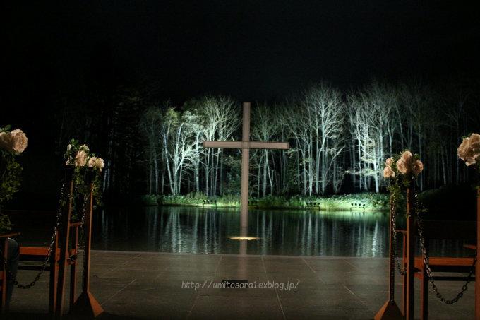 水の教会_b0324291_21201647.jpg