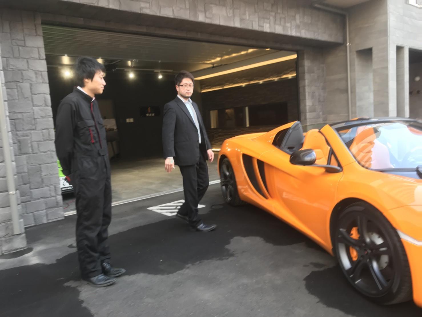 10月31日 ひとログTueヽ( 'ω' )ノ マクラーレン・GTR?!スーパーカーがTOMMYにやってきた!_b0127002_17334228.jpg