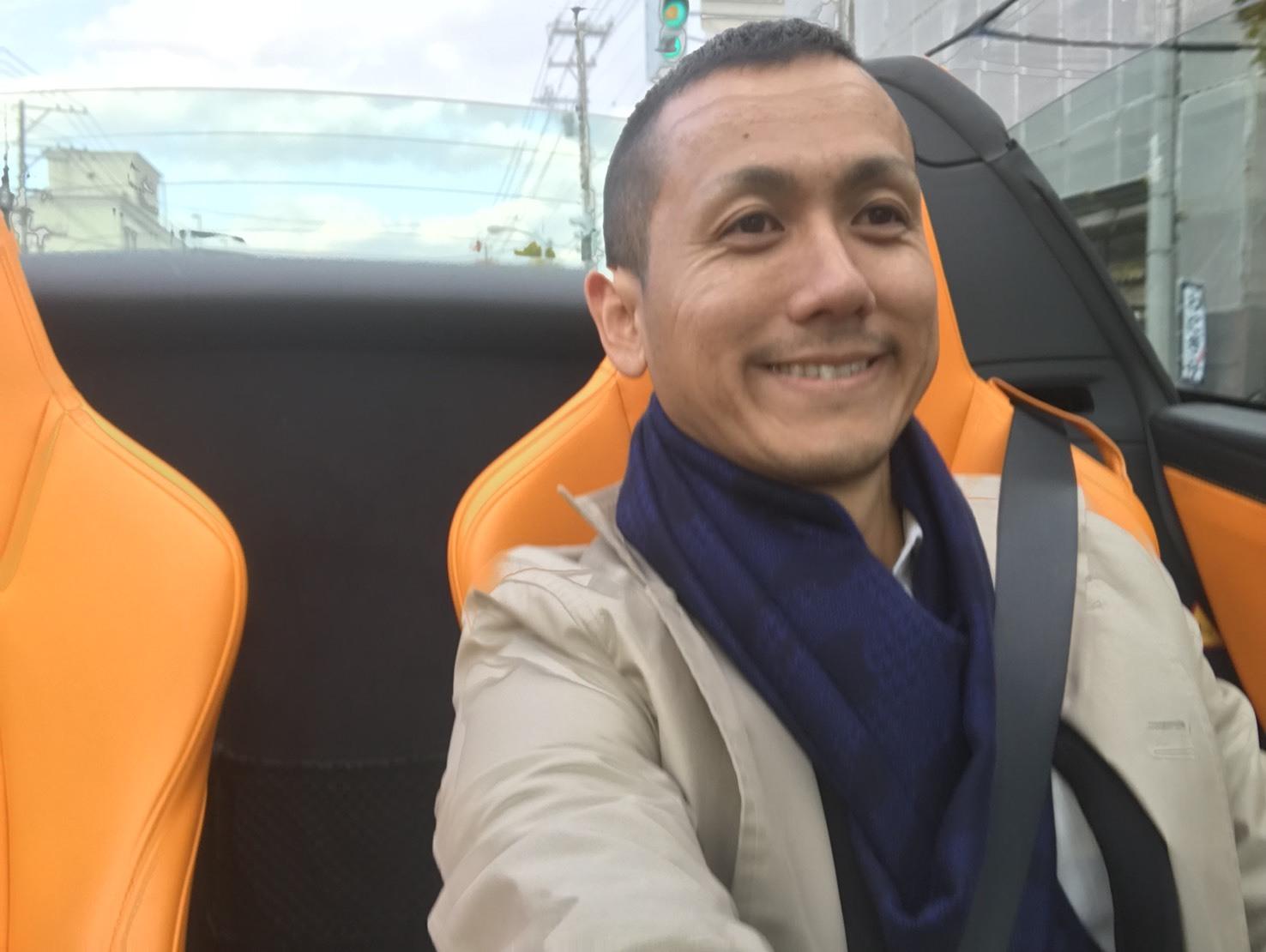 10月31日 ひとログTueヽ( 'ω' )ノ マクラーレン・GTR?!スーパーカーがTOMMYにやってきた!_b0127002_17353100.jpg