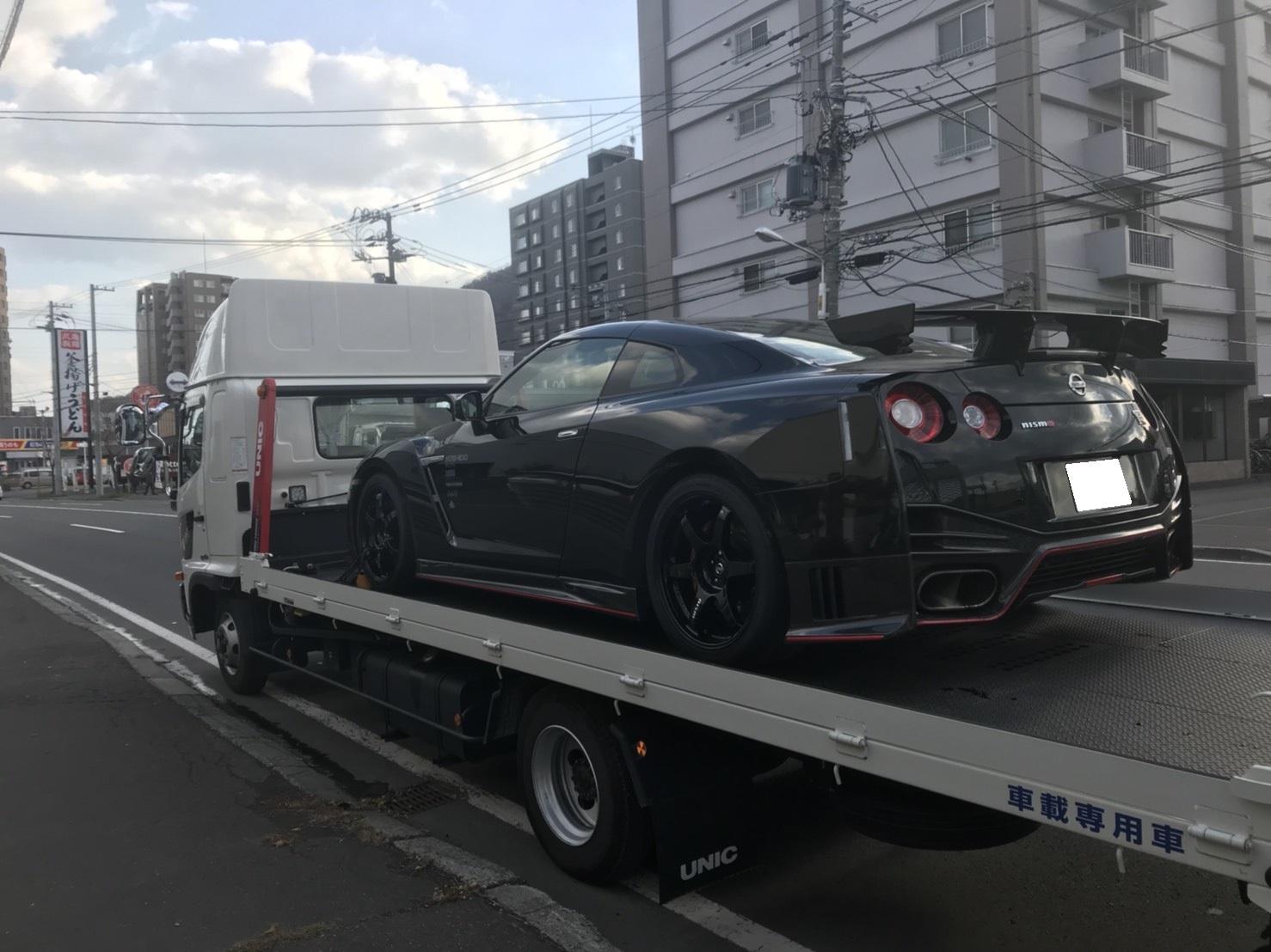 10月31日 ひとログTueヽ( 'ω' )ノ マクラーレン・GTR?!スーパーカーがTOMMYにやってきた!_b0127002_17392985.jpg