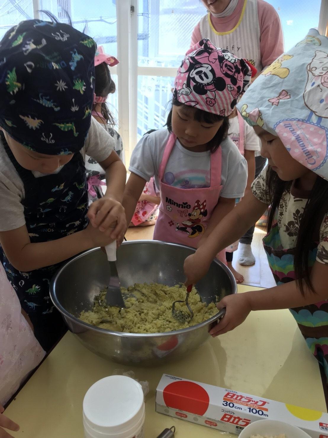 4歳児クラス、クッキーを作りました_c0151262_12520799.jpeg
