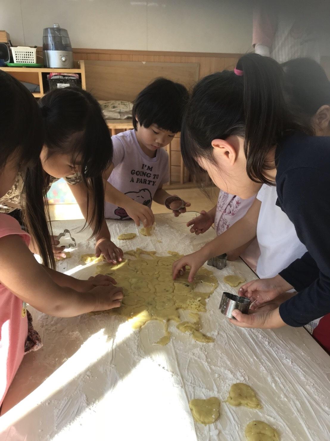 4歳児クラス、クッキーを作りました_c0151262_12524509.jpeg