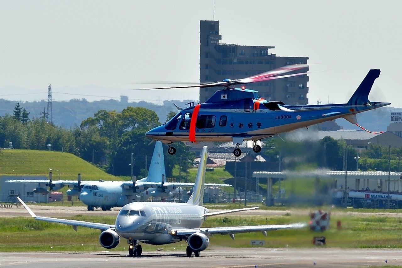 県営名古屋空港はいろんな航空機が離発着します_c0330563_21315860.jpg