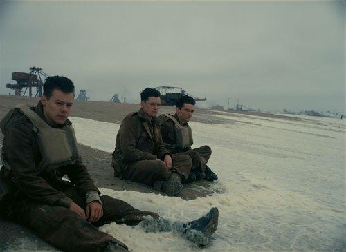 映画ダンケルクでトム・ハーディがオメガを着用_f0039351_1444371.jpg
