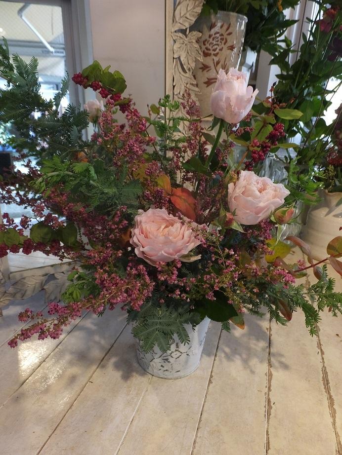 オークリーフ花の教室(松浦さんと桜井さんの作品)_f0049672_17555220.jpg