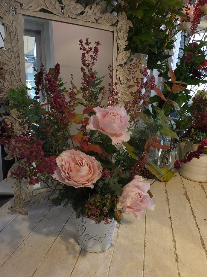 オークリーフ花の教室(松浦さんと桜井さんの作品)_f0049672_17560066.jpg