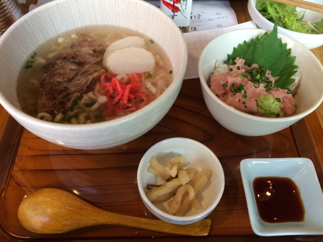 沖縄料理_e0183990_11532862.jpg