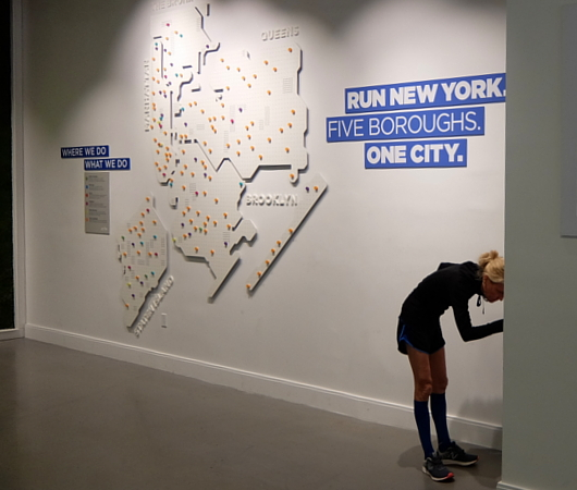 NYロード・ランナーのランセンター NYRR RUNCENTER featuring the NB Run Hub_b0007805_051117.jpg