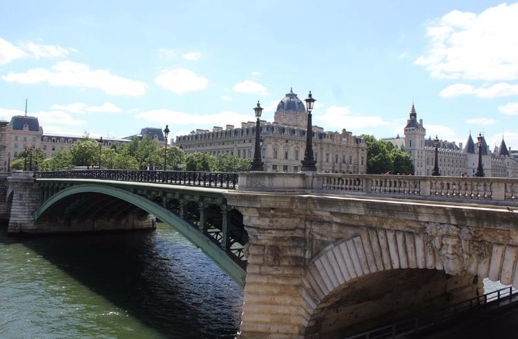 パリを想って( ˘͈ ᵕ ˘͈  )_a0213806_21424215.jpeg