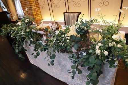 秋の装花 ユーカリとフランネルフラワー、切り株とキャンドル、ナチュラルウェディングの一日に_a0042928_12203184.jpg