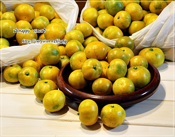 炊き込みごはんおむすび弁当と実家の収穫物と我が家の収穫物♪_f0348032_18060759.jpg