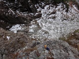 初冬の穴毛谷で肘鉄を食らう(穴毛岩試登)_e0064783_06224717.jpg