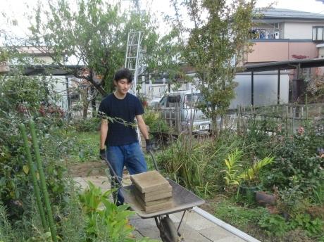 また、じいちゃんの土木工事_a0203003_17270910.jpg