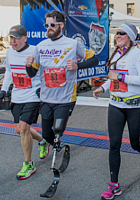 障がい者を支えマラソンを走るNPO、アキレス・インターナショナル_b0007805_222279.jpg