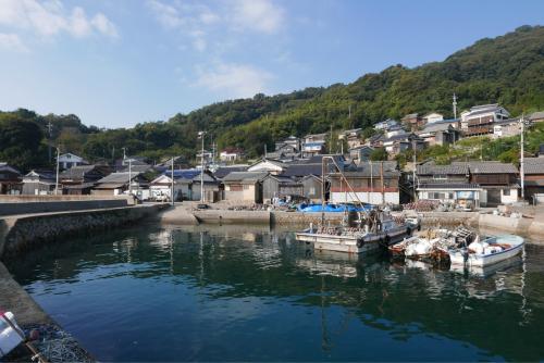 海界の村を歩く 瀬戸内海 六島(岡山県)_d0147406_17363621.jpg