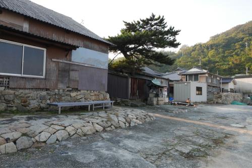 海界の村を歩く 瀬戸内海 六島(岡山県)_d0147406_21315550.jpg