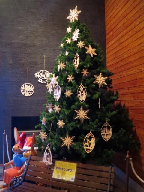 11月の軽井沢町民美術館の日*②エルツおもちゃ博物館~クリスマス♪_f0236260_17120288.jpg