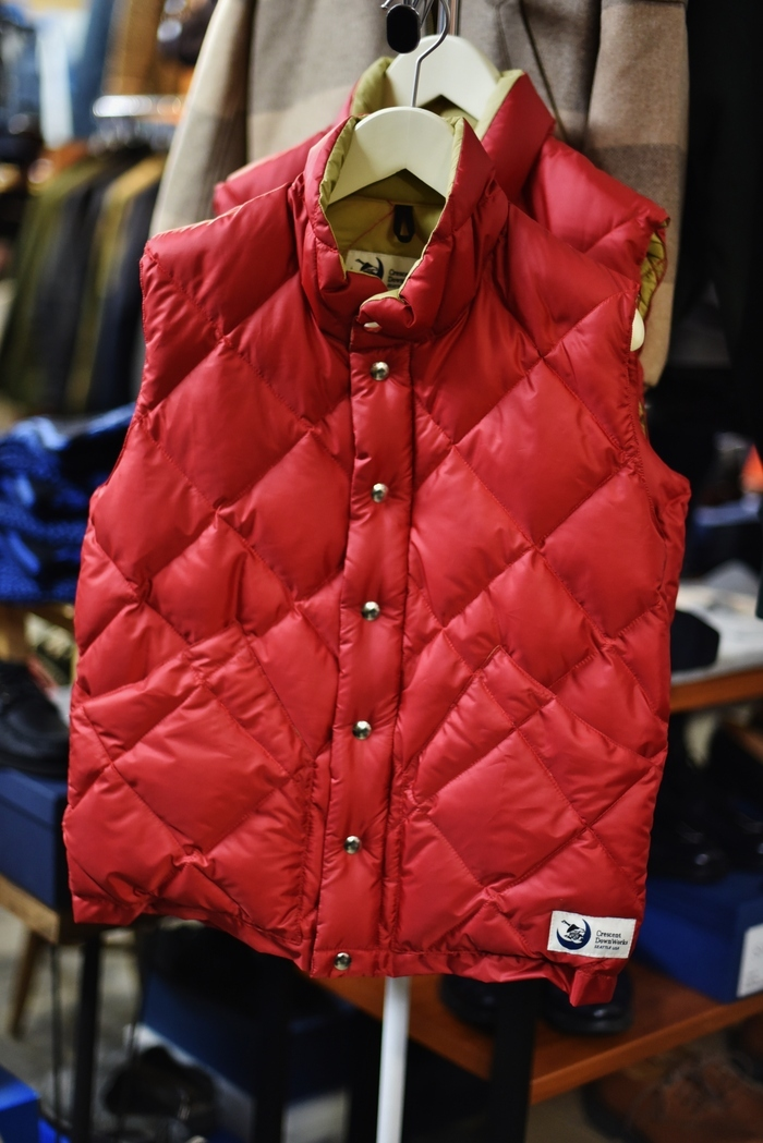 Crescent Down Works (MADE in USA)  「赤」別注QUILT DOWN VEST!★!_d0152280_09505686.jpg