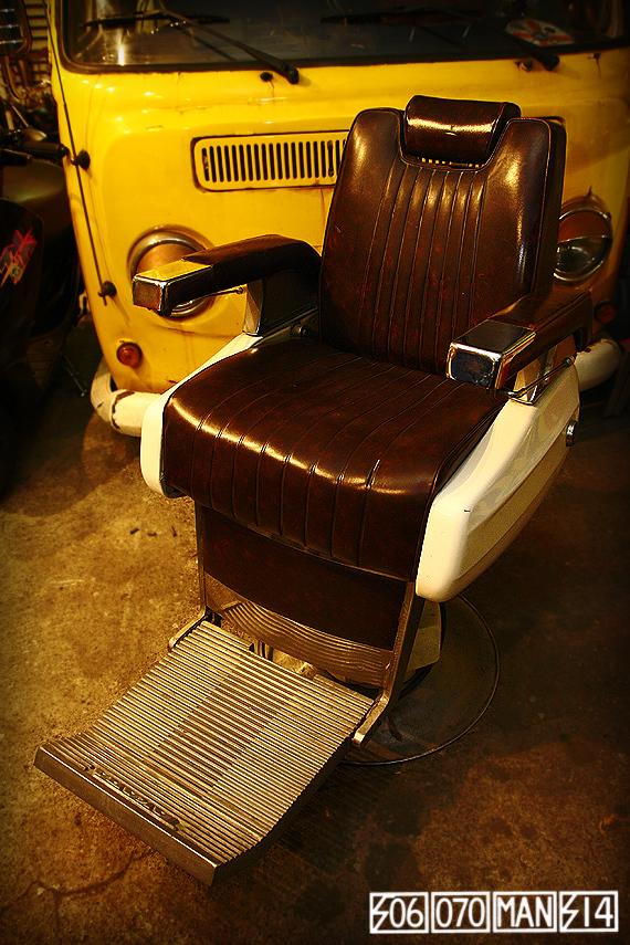 1970s Vintage TAKARA 659 電動ハイドロ床屋椅子 ミッドセンチュリー barber_e0243096_21520344.jpg