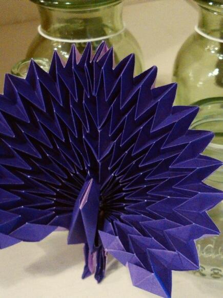 折り紙の孔雀_f0255704_15082770.jpg