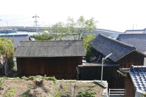 海界の村を歩く 瀬戸内海 六島(岡山県)_d0147406_14375309.jpg